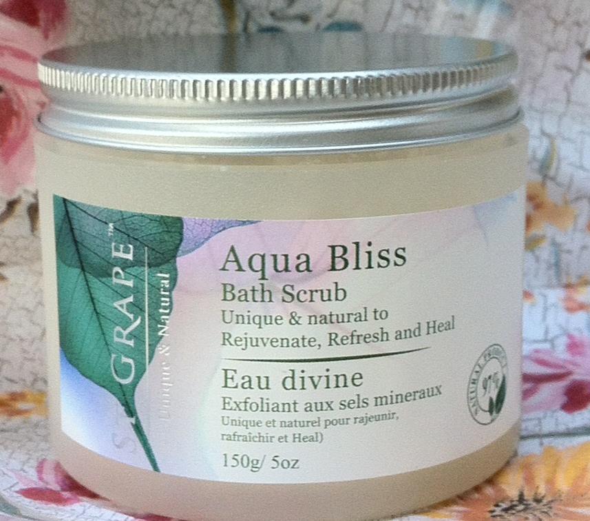 Aqua Bliss Bath Scrub lid on
