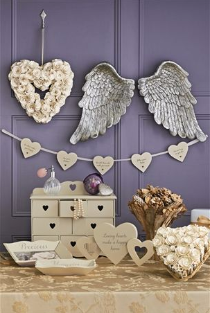 Wing Plaques £35